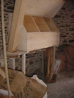 Détail des installations utiles au meunier en Baie Du Mont-Saint-Michel